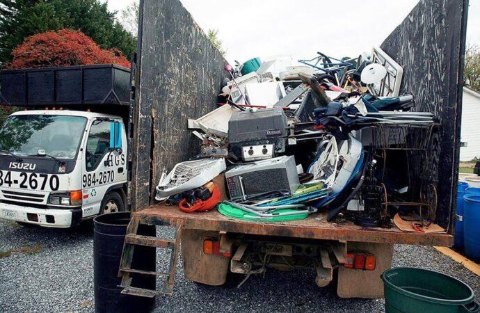 Junk Hauling-Fort Wayne Dumpster Rental & Junk Removal Services-We Offer Residential and Commercial Dumpster Removal Services, Portable Toilet Services, Dumpster Rentals, Bulk Trash, Demolition Removal, Junk Hauling, Rubbish Removal, Waste Containers, Debris Removal, 20 & 30 Yard Container Rentals, and much more!